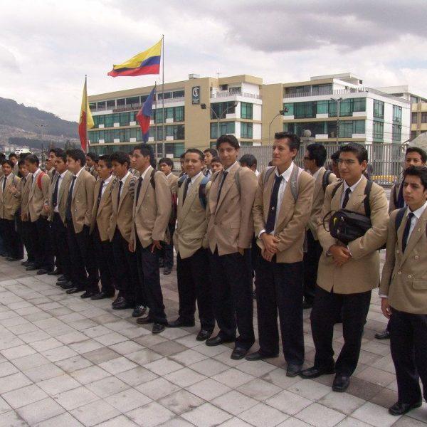pre universitarios en ecuador quito cuenca guayaquil cerca